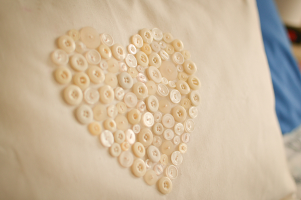 button heart pillow #thingsdeeloves-3