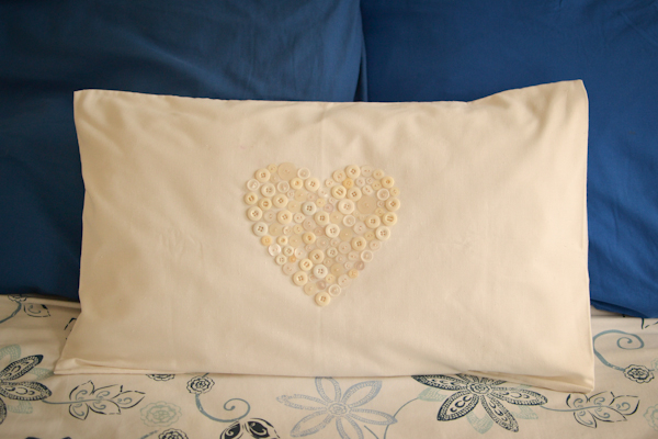 button heart pillow #thingsdeeloves-4